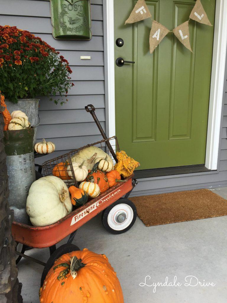 fall-burlap-pennant