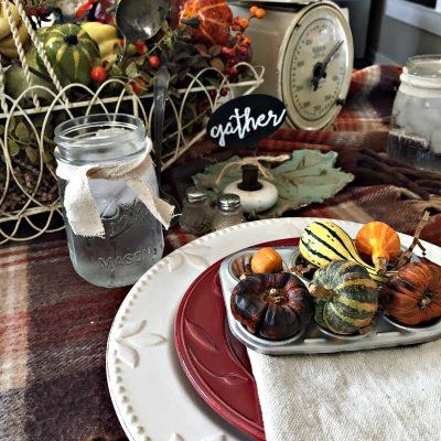 Fall Farmhouse Table Decor Ideas