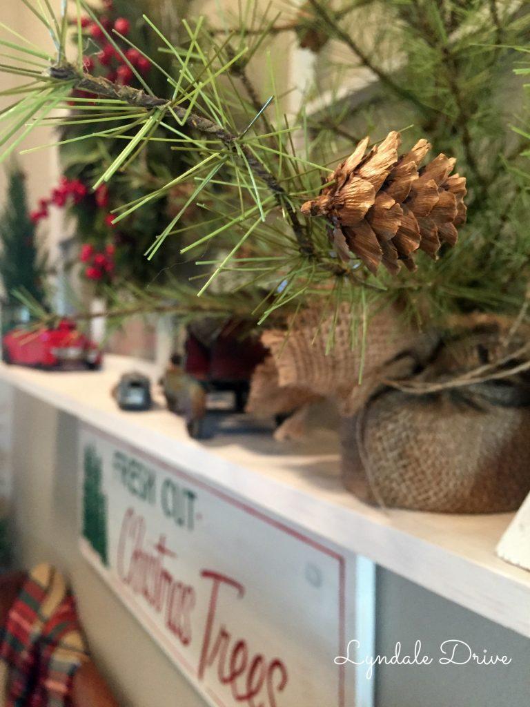 holiday-entry-decor