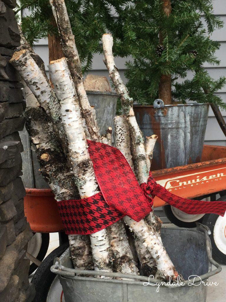 vintage-christmas-porch