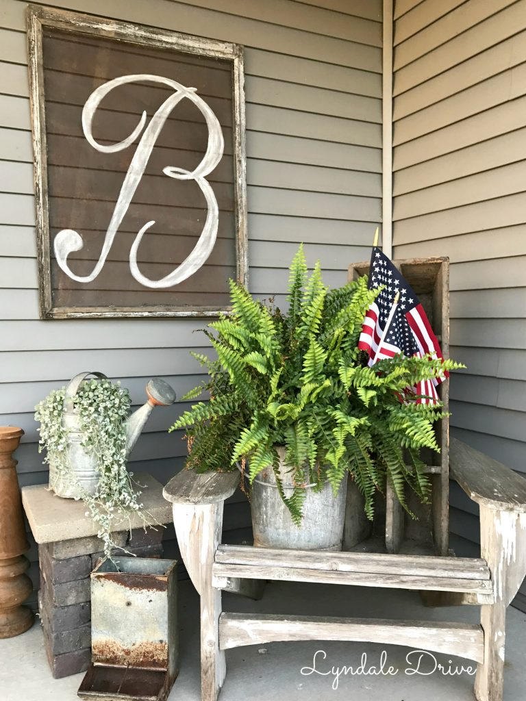independence-day-flags-ferns