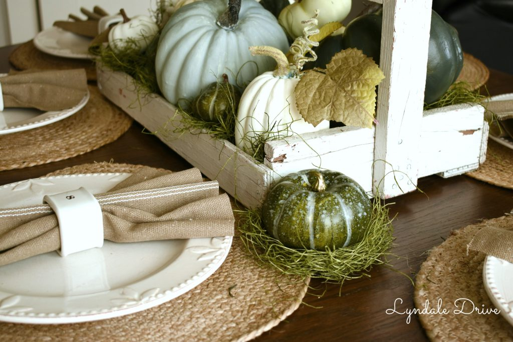 Farmhouse-fall-table-decor