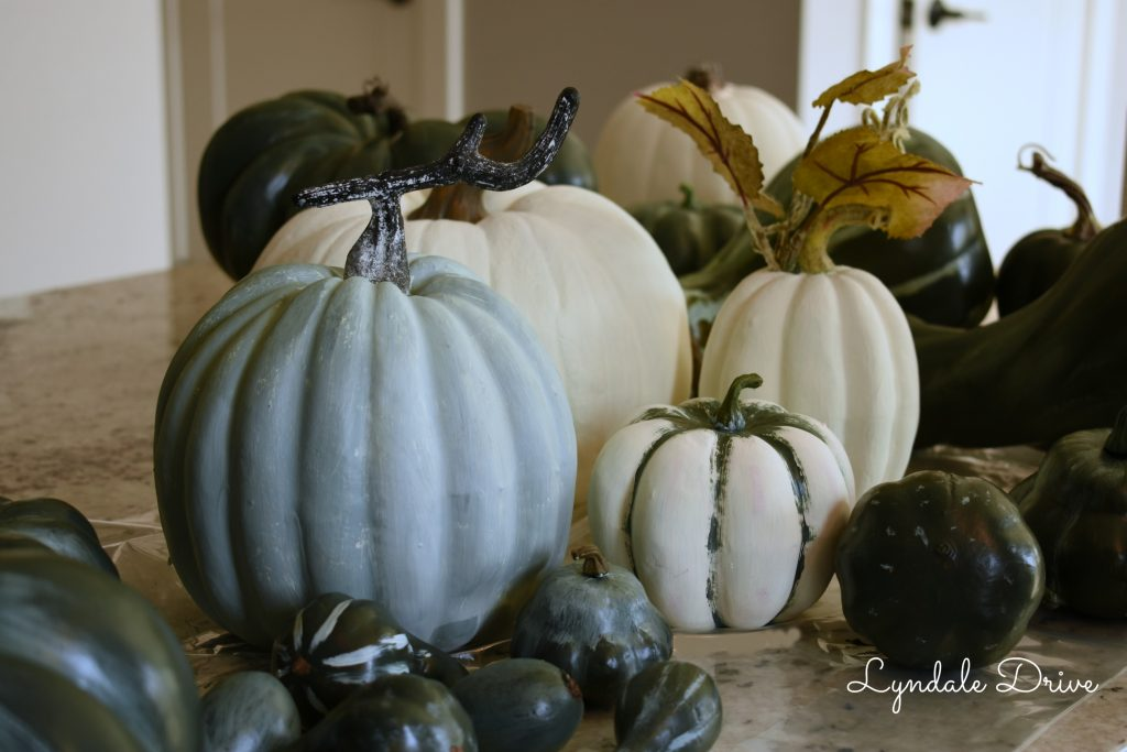 pumpkins-green-white