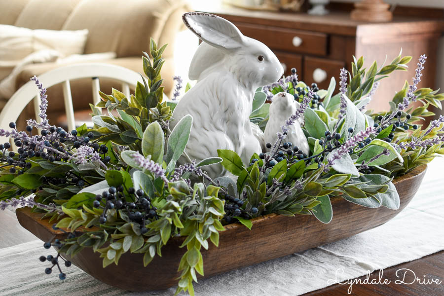 Easter-table-arrangement